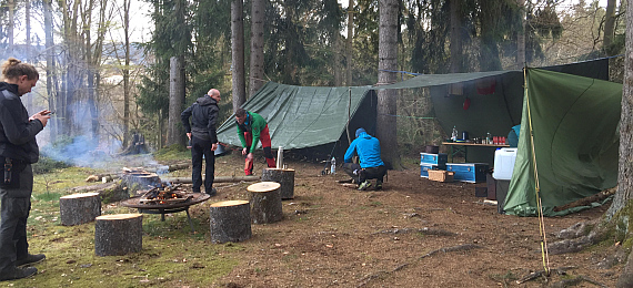 outdoor trekking wildnis camp